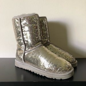 UGG Womens Classic Short Sequin Boot Silver Size 5